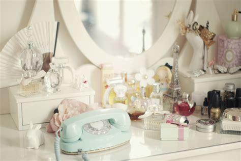 Parfum W Dressroom vanity table vis de domnisoara touchofadream lifestyle
