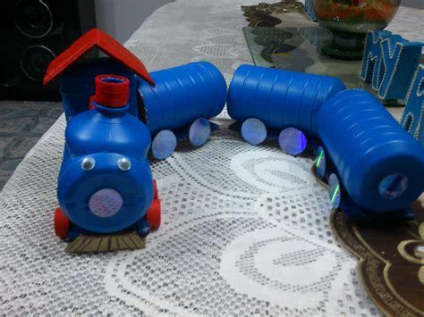 como hacer carrito con material reciclable juguetes trencito de juguete hecho con botellas de lej 237 a o cloro