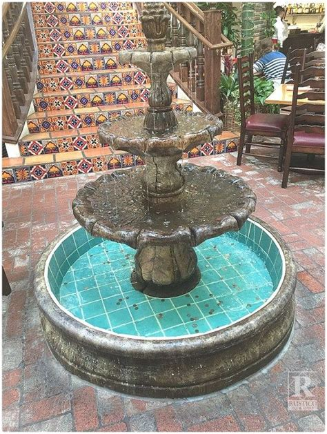 Fountain dining room