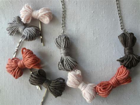 little treasures yarn bow necklace diy