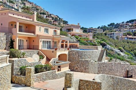 angelina jolie mansion brad pitt and angelina jolie splash 163 2 7m on majorca