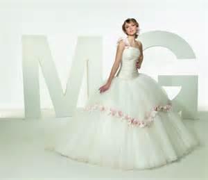 wedding dress malfunction www imgkid the image kid
