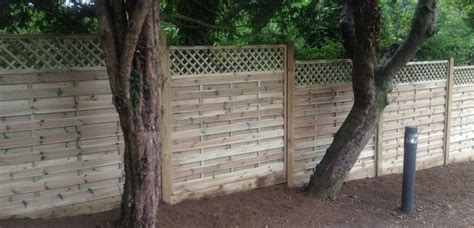 Wood Fence With Trellis Wood Trellis Fences The Norlap Fencing Company In