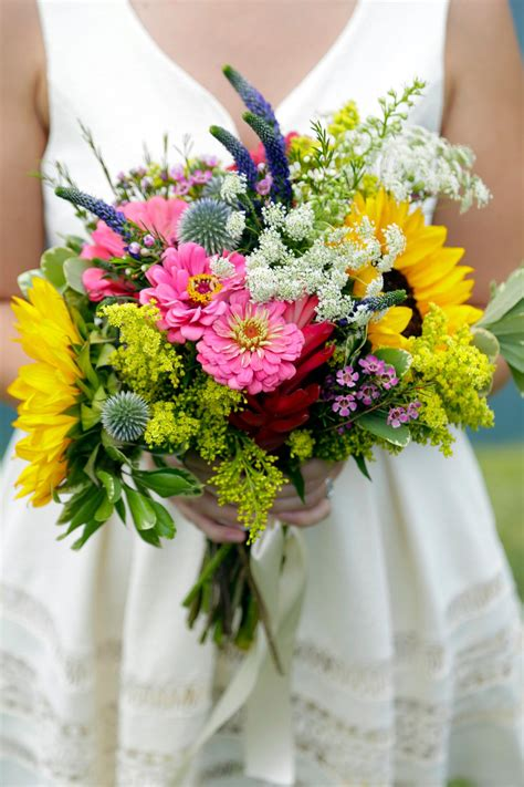 wedding flower arrangements images 3 diy bridal bouquets you can actually make yourself hgtv s decorating design hgtv