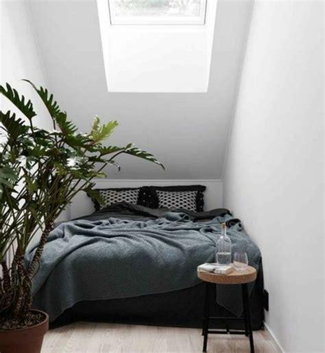 Deco Chambre Avec Lit Noir by Deco Chambre Lit Noir Free Lit Mezzanine Noir Adulte