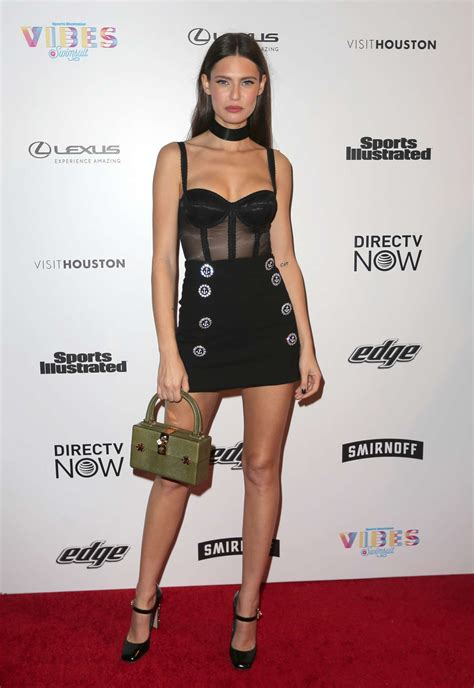 bianca balti red carpet 2018 bianca balti vibes by sports illustrated swimsuit 2017