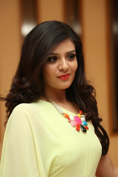 srimukhi hot actress srimukhi sexy photos gallery movie photos hot