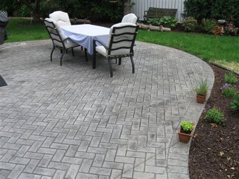 herringbone brick patio random paver pattern herringbone sted concrete patio