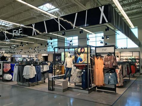 hy vee lincoln nebraska hy vee to add clothing boutiques to 2 lincoln stores
