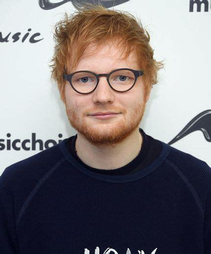 ed sheeran glasses we are in love with the shape of ed sheeran s eyeglasses