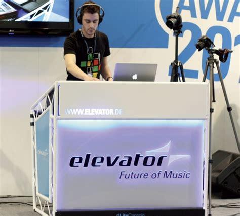 console deejay prolyte liteconsole xprs stand pliable pour dj