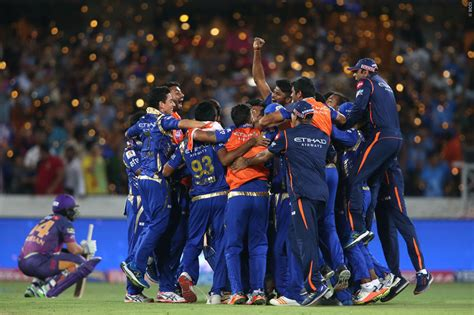 ipl com ipl 2017 final mumbai indians edge out rising pune