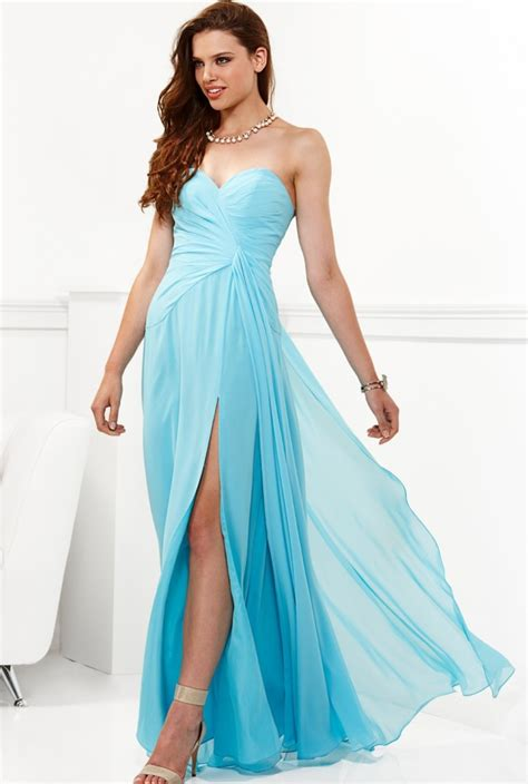 formal dresses things to consider when buying prom dresses and