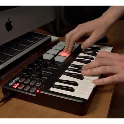 Keyboard Spc Usb subzero spc mini key and pad midi controller nearly new at gear4music