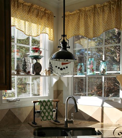 christmas kitchen ideas simple christmas decorating ideas in the kitchen debbiedoos
