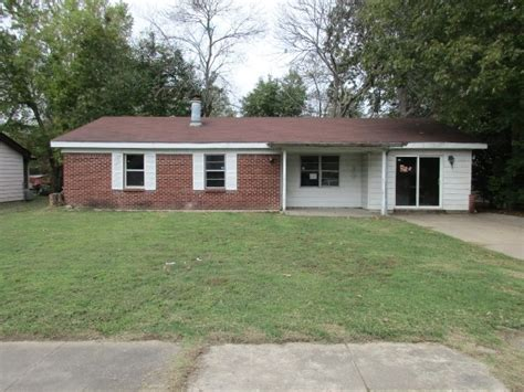 32 southern ct pine bluff ar 71602 detailed property