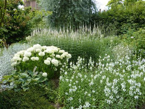 the priest s house at sissinghurst the enduring gardener