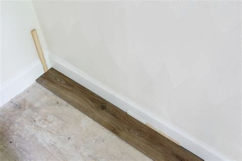 Laying Vinyl Plank Flooring by How To Install Luxury Vinyl Plank Flooring Sand And Sisal