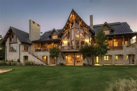 buy lake house four luxurious lake houses you can buy now d magazine