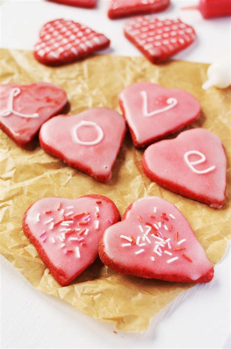valentine s valentine s day cakes and desserts coppenrath and wiese