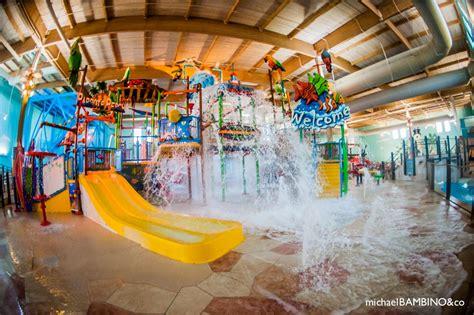 theme hotel ohio splash cincinnati indoor water park is a part of ramada