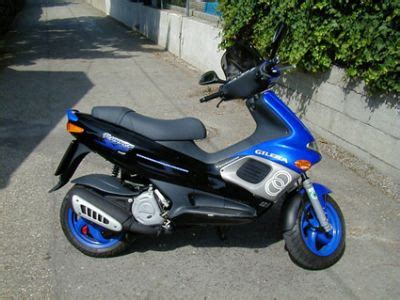 Mobile Motorrad Vespa 125 by Umgebautes Motorrad Gilera Runner 125 Sp Woje 1000ps De