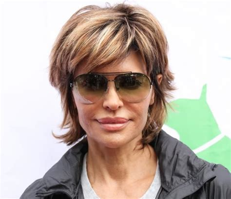 lisa rinna hair color lisa rinna s signature shag i love this version note the