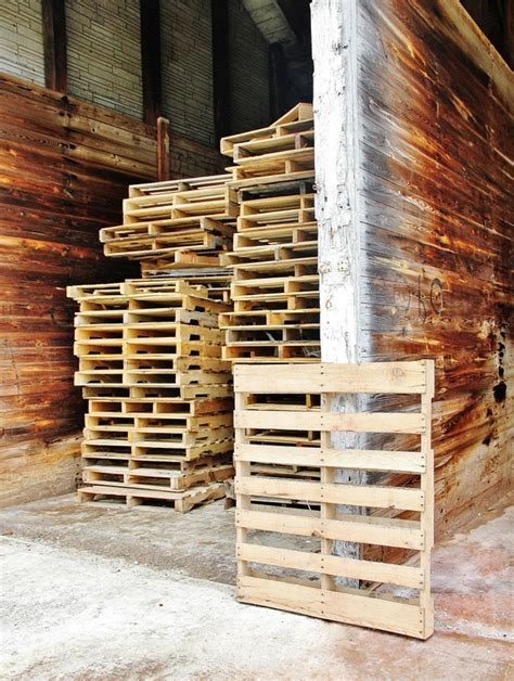 Shipping Pallet by Repurposed Pallet Desk Infarrantly Creative