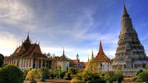 Cambodia Et Tour Kompheim Walk And Talk top 5 things to do in phnom penh cambodia intrepid travel