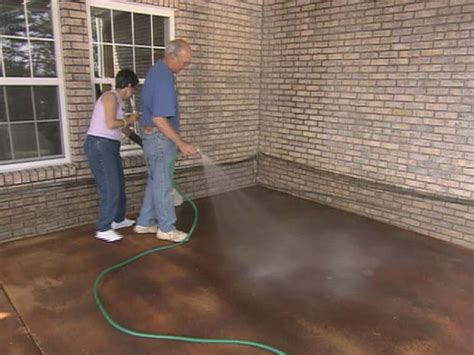how to get stains concrete patio how to apply concrete stain how tos diy