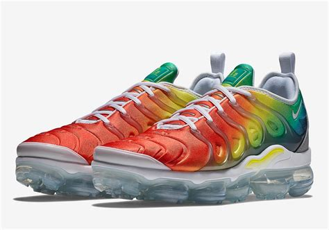 Nike Air Grey Pink Sol Rainbow nike vapormax plus rainbow look sneakernews