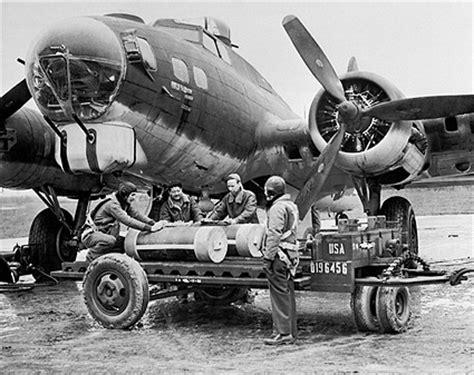 Ready Gan Flight Bomber Rodmax wwii boeing b 17 flying fortress ground crew photo print