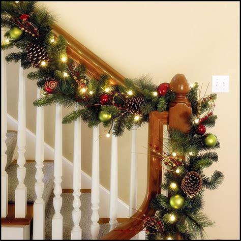 ideas  decorar escaleras en navidad  como organizar la casa fachadas decoracion de