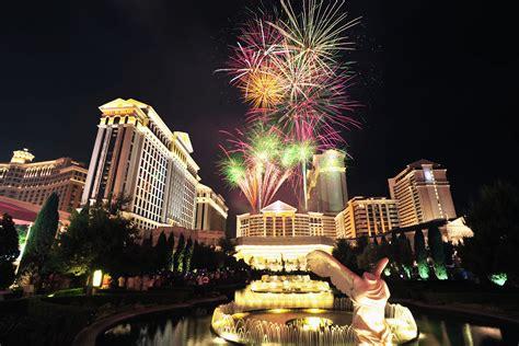 light entertainment las vegas july 4th fireworks festivites in las vegas las vegas