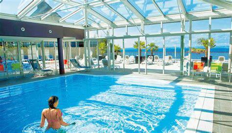 locations avec piscine couverte kid friendly