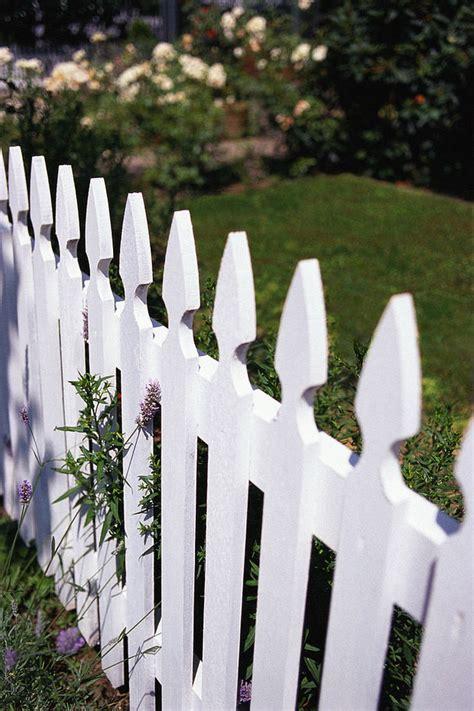 build  easy garden fence  cost ideas  garden glove