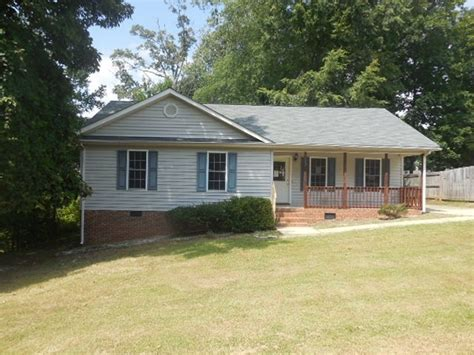 House Greensboro Nc by 1117 Picard St Greensboro Nc 27405 Get Local Real