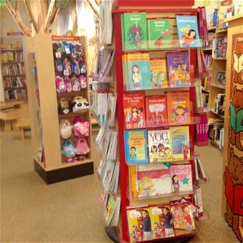 barnes and noble kids section barnes noble booksellers 20 photos 22 reviews