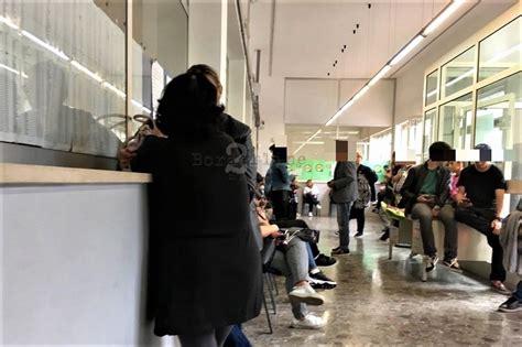 ufficio per l impiego bari il caos centro per l impiego oltre due ore in
