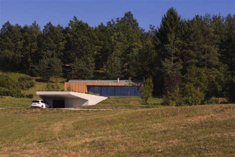 Modernes Haus Im Wald by Modernes Haus Im Wald In Slovenien Mit Interessanter