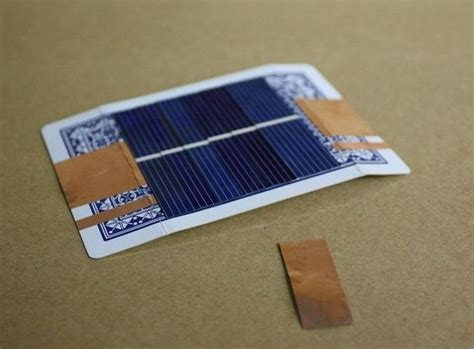 how to make a solar charger for cell phone how to turn a card into a simple solar