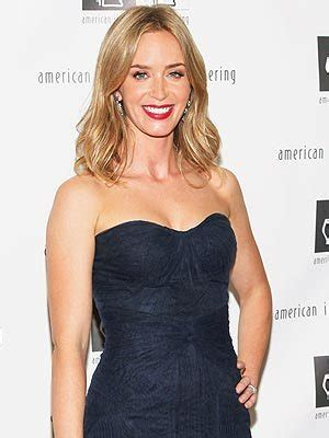 emily blunt us citizen jimmy kimmel emily blunt talks about becoming u s citizen on jimmy