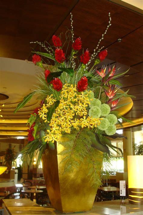 large floral centerpieces florals large