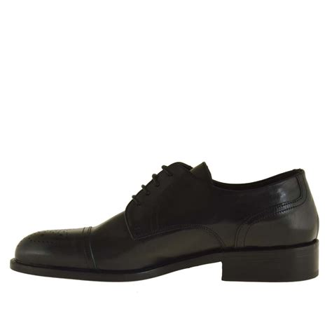 shoe with laces in black leather ghigocalzature