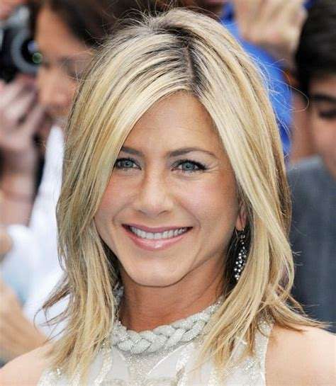 Lepaparazzi News Update Jennifers Single Vow by Update Aniston Hair Hairstyle 2013