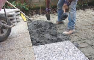 come piastrellare un giardino realizzare una pavimentazione in giardino bricoliamo