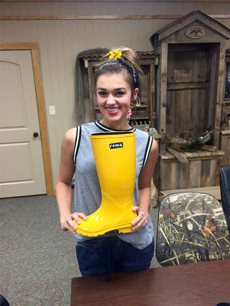 sadie robinson i know she join duck dynasty s sadie robertson in giving poverty the