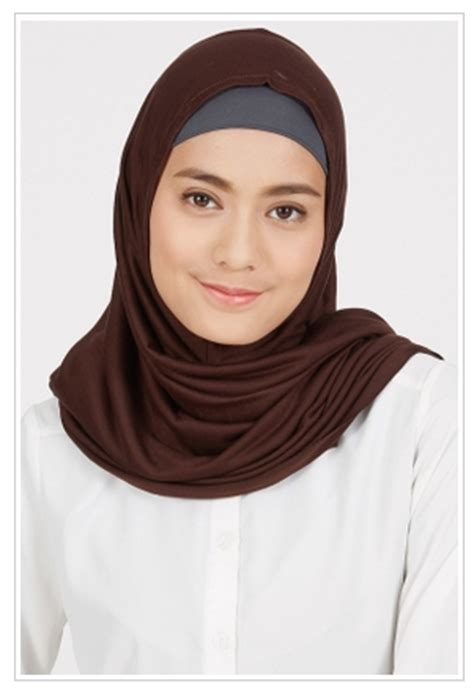 Saudi Segi Empat Mudah Diatur Pilihan Warna Banyak Simple 10 gaya jilbab untuk tilan sehari hari anda