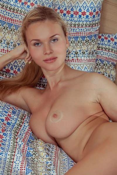 Caroline nackt Abel Met Art