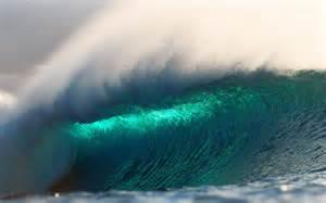 Large wave in hawaii desktop wallpaper background desktop wallpaper